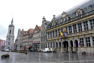 La Grand'Place et le beffroi de Tournai